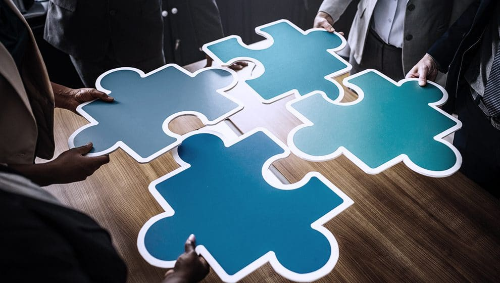 jigsaw,puzzle,team,collaboration,teamwork,blue,piece